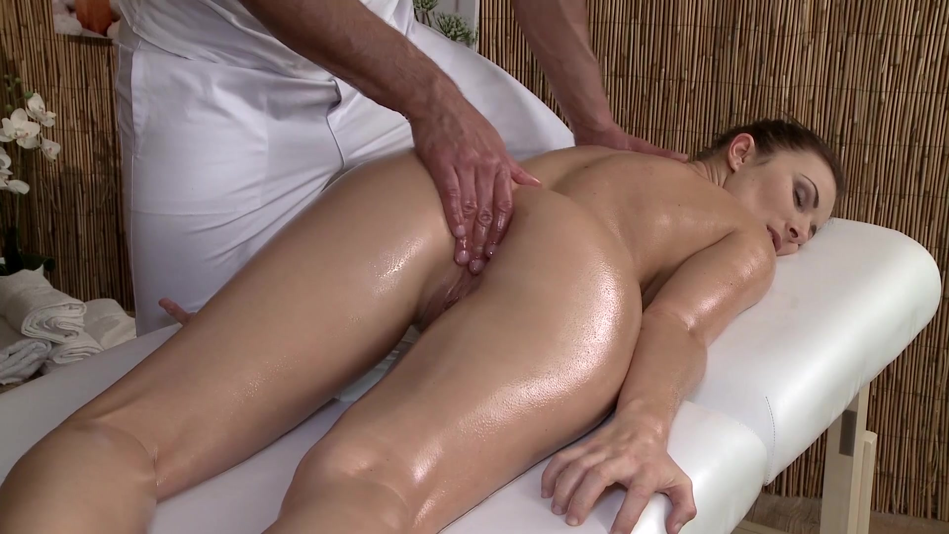 Sex massage of male organ — pic 4