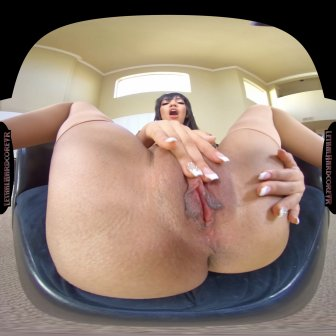 Housewife Gets a Warm Creampie video capture Image