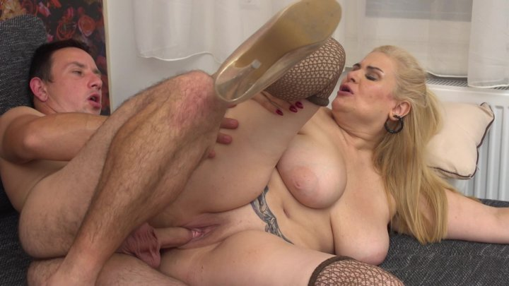 Streaming porn video still #4 from Big Tits & Wet Clits 2