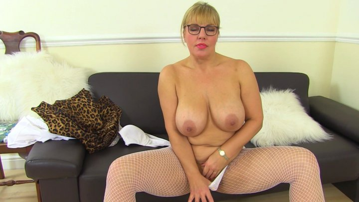 Streaming porn video still #5 from Big Tits & Wet Clits 2