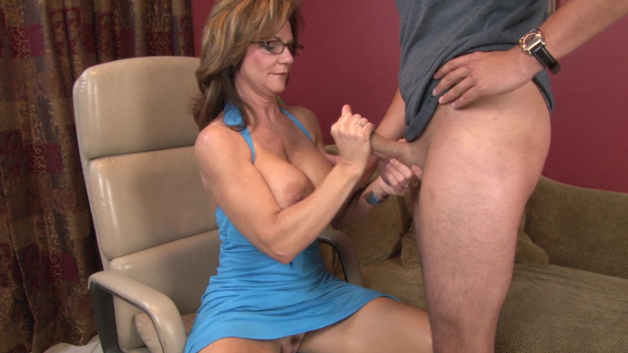 Showing Porn Images For Hot Milf Handjob Porn  Wwwhandy -9768