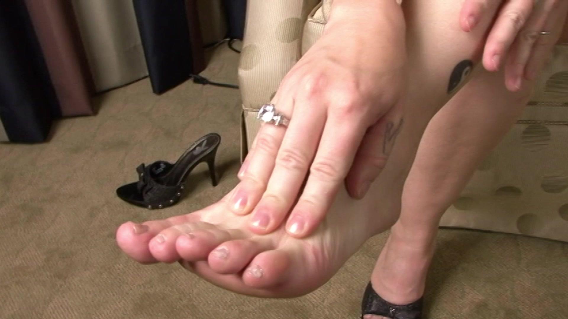 Футфетиш с русскими, Русский фут фетиш - видео top Her Flesh HD 19 фотография