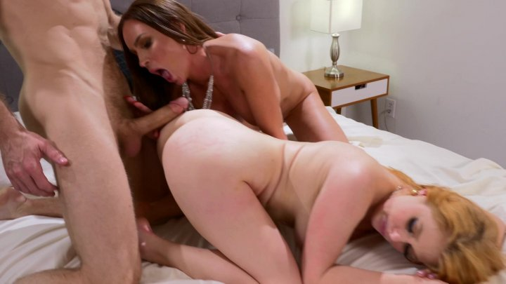 Streaming porn video still #4 from Stepfamily 3somes