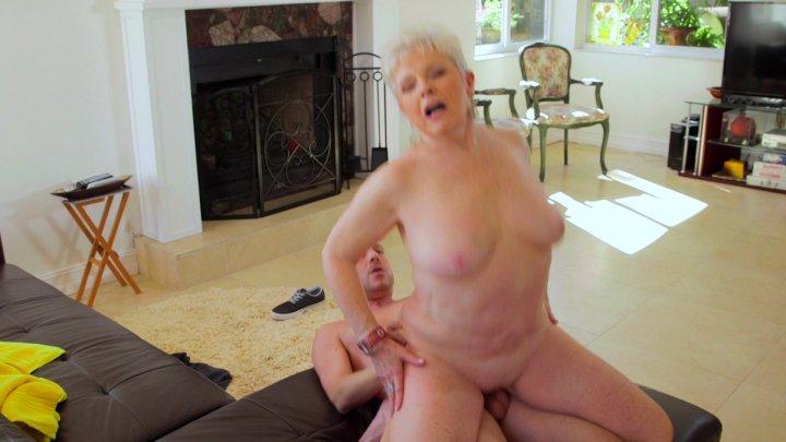 Streaming porn video still #1 from Granny Gets A Facial