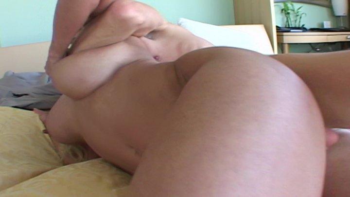 Streaming porn video still #2 from Flesh Hunter 8