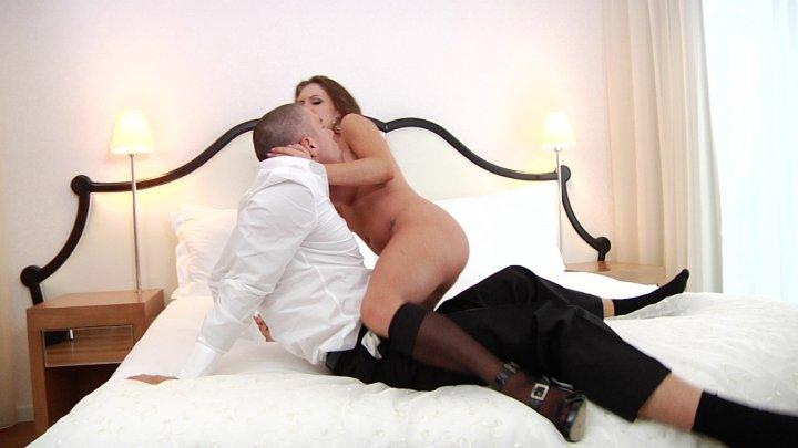 Streaming porn video still #5 from Curvy Girls Vol. 4