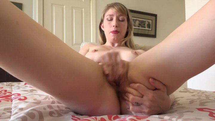Streaming porn video still #5 from Mom's Pussy Pie