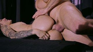 Streaming porn video still #6 from Manic