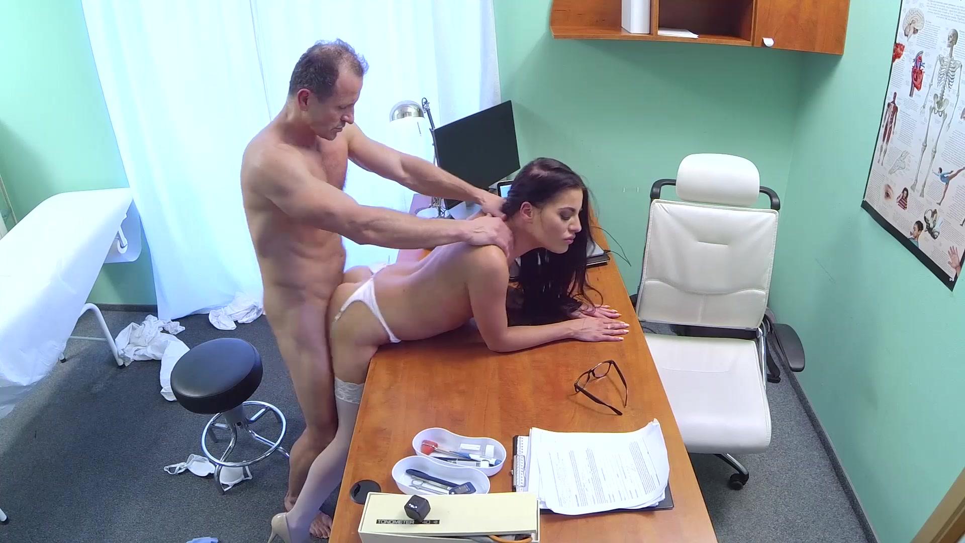 Жену госпиталь порно онлайн фото киевских девок