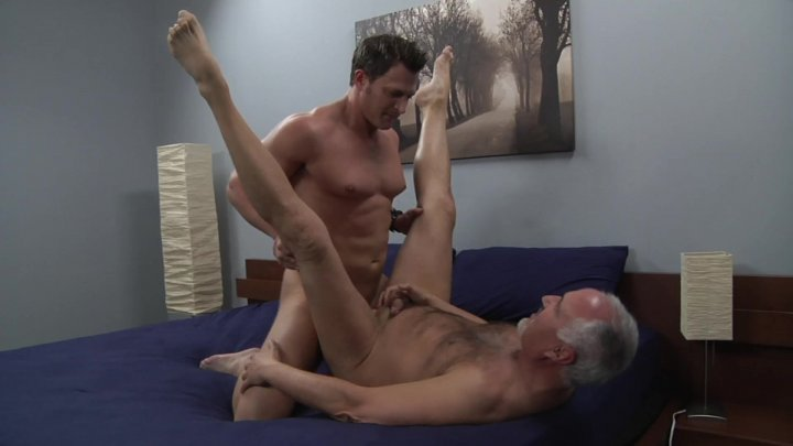 Streaming porn video still #2 from Bareback Muscle Mania
