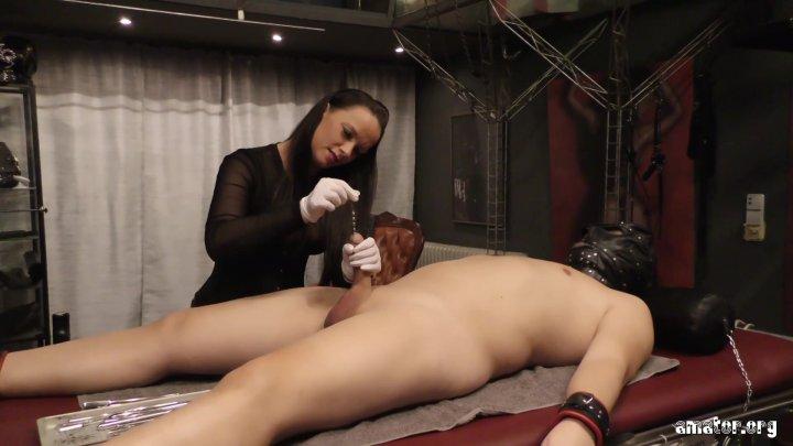 Streaming porn video still #3 from Sanktum