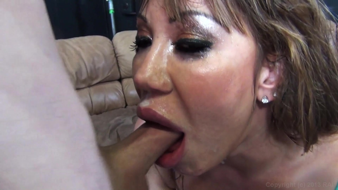 Amateur deepthroat and vomit