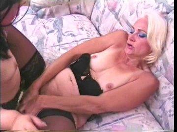 pornstar-kathy-jones-free-streaming-movies-he-kiss-her-pussy