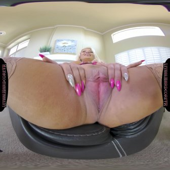 Housewife in Need video capture Image