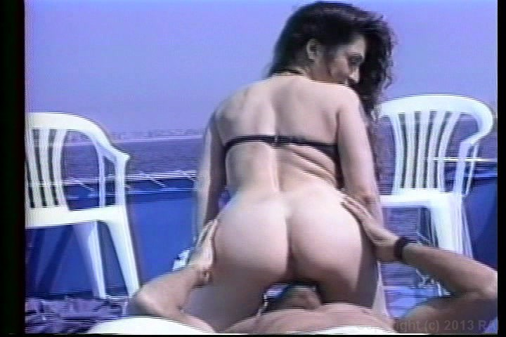 Big boob boat butt ride