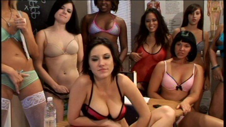 Streaming porn video still #3 from Lesbian Bukkake 13