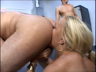 Streaming porn video still #3 from Annette Schwarz is Slutwoman
