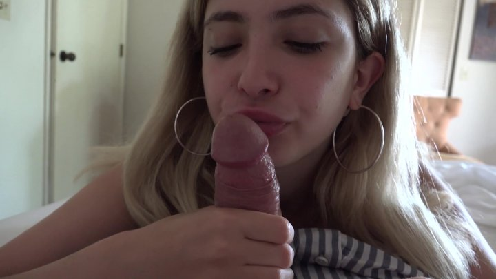 Streaming porn video still #6 from Captain Creampie
