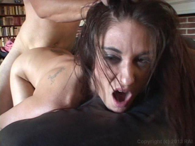 Streaming porn video still #4 from I Wanna Cum Inside Your Mom 11