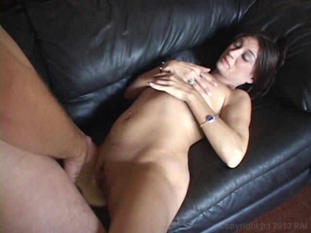 Streaming porn video still #5 from I Wanna Cum Inside Your Mom 11