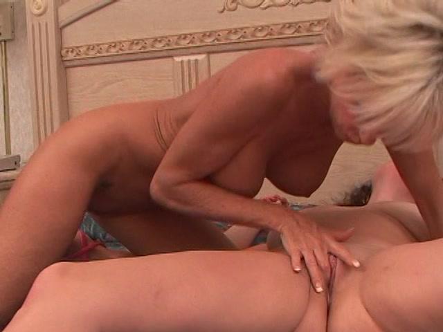 Streaming porn video still #1 from Hot Lipstick Lip Splitters