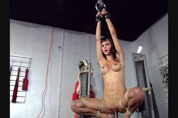 Pussy ride large dildo to orgasm