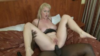 Screenshot #18 from Busty Mom Gets BBC
