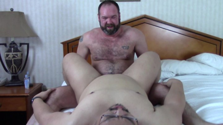 Streaming porn video still #4 from Bear Tasting 2