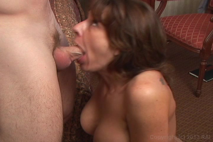 Mature granny cocksucking