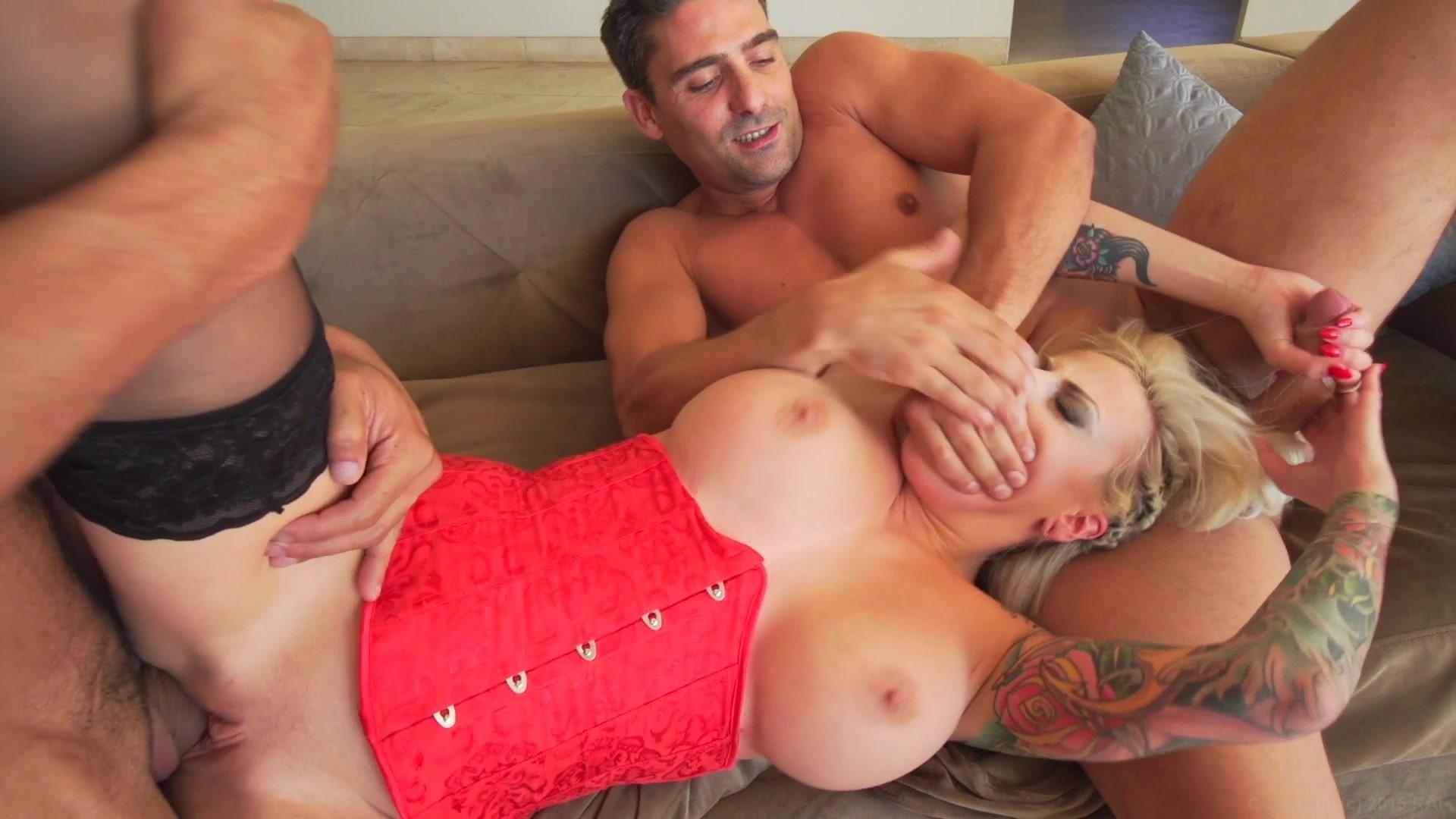 Amature free threesome movies