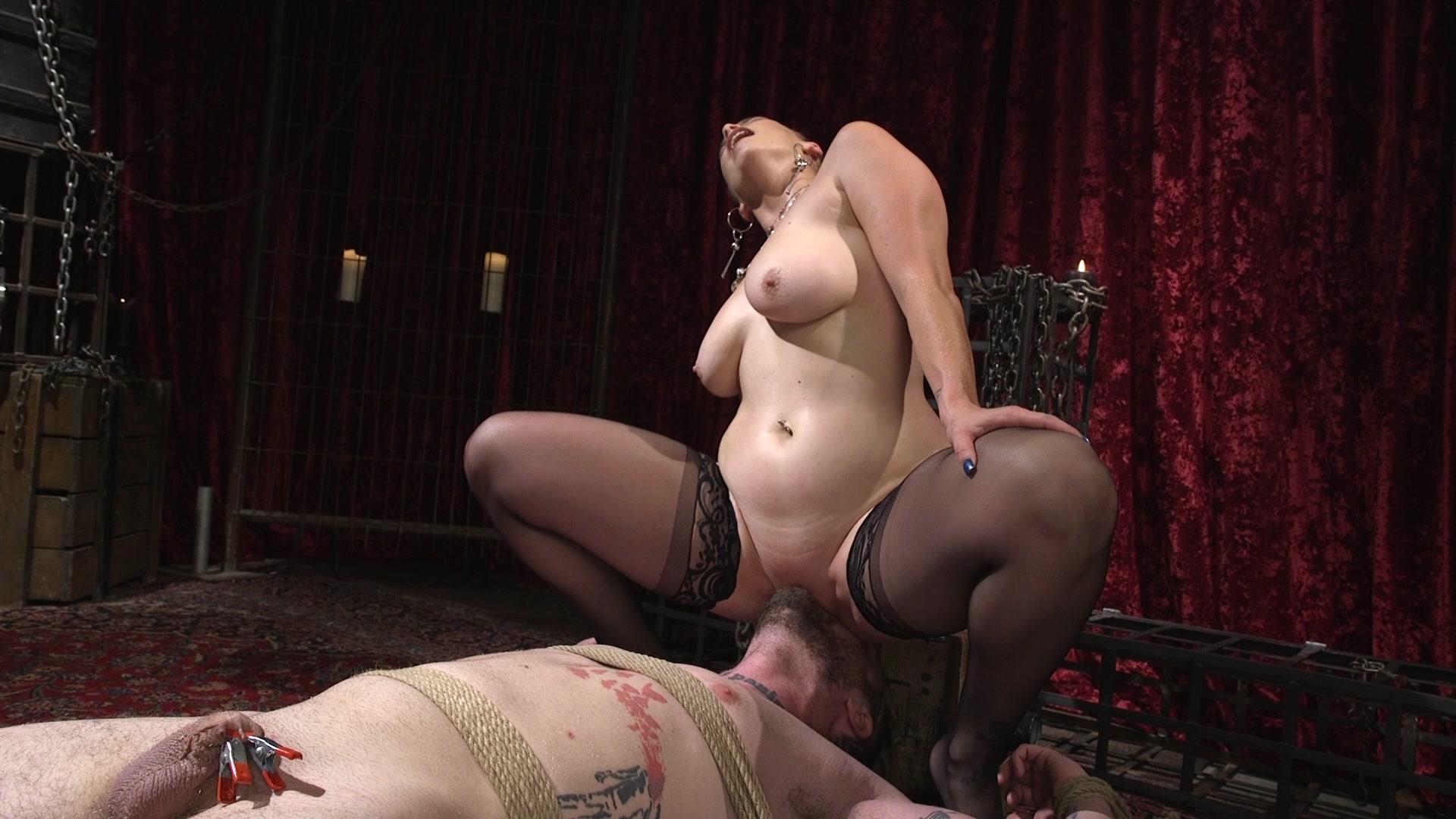 Venus lux and bella rossi