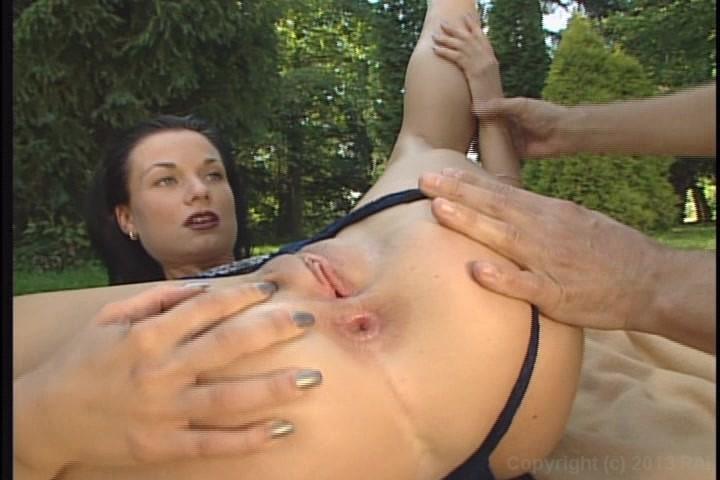 porno-serii-matador-zhenskaya-koloniya-smotret-kak-ebut-zhenshin-video
