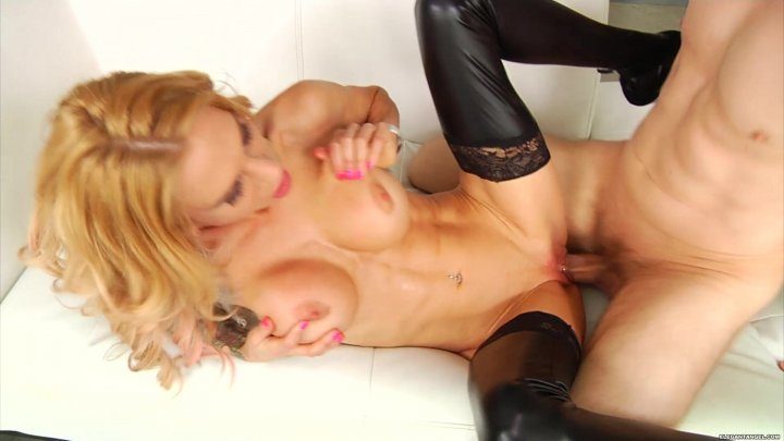 Streaming porn video still #2 from Hot Body Ink