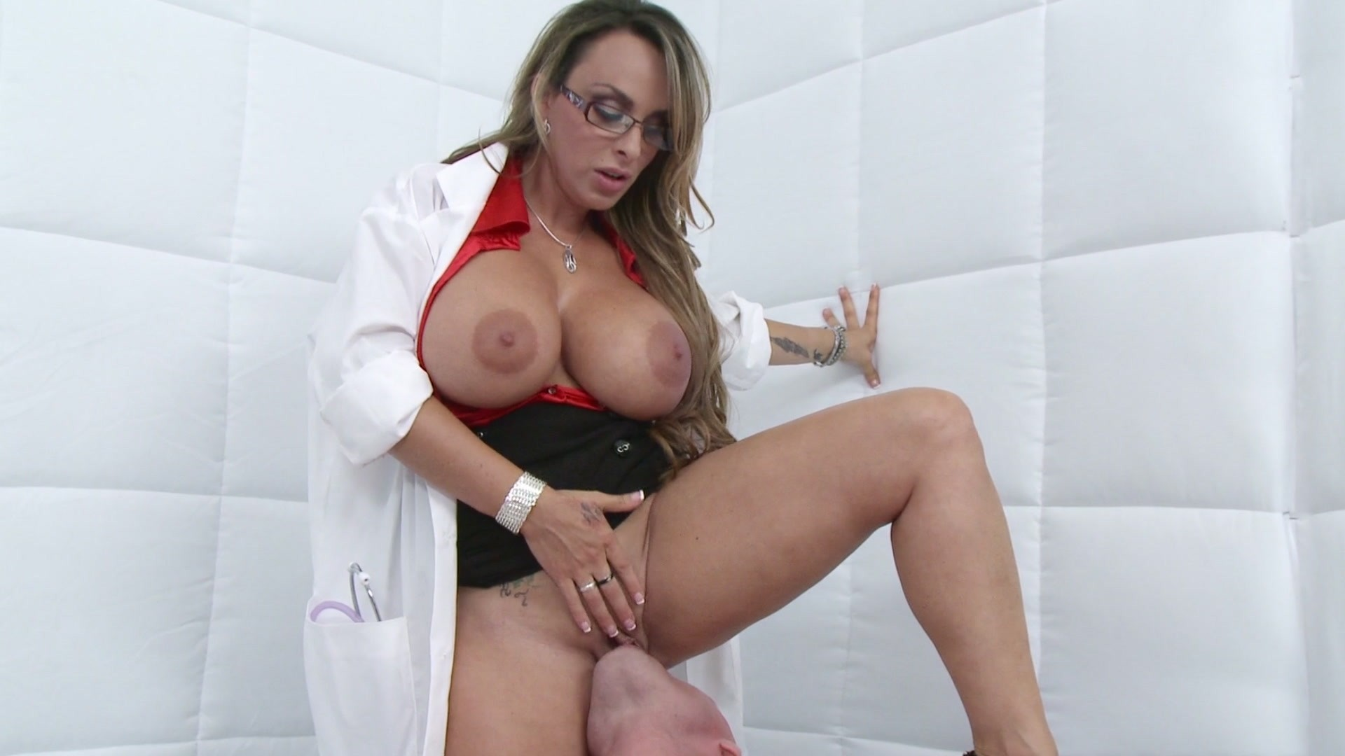 Showing Porn Images For Holly Halston Keiran Lee Porn -4176