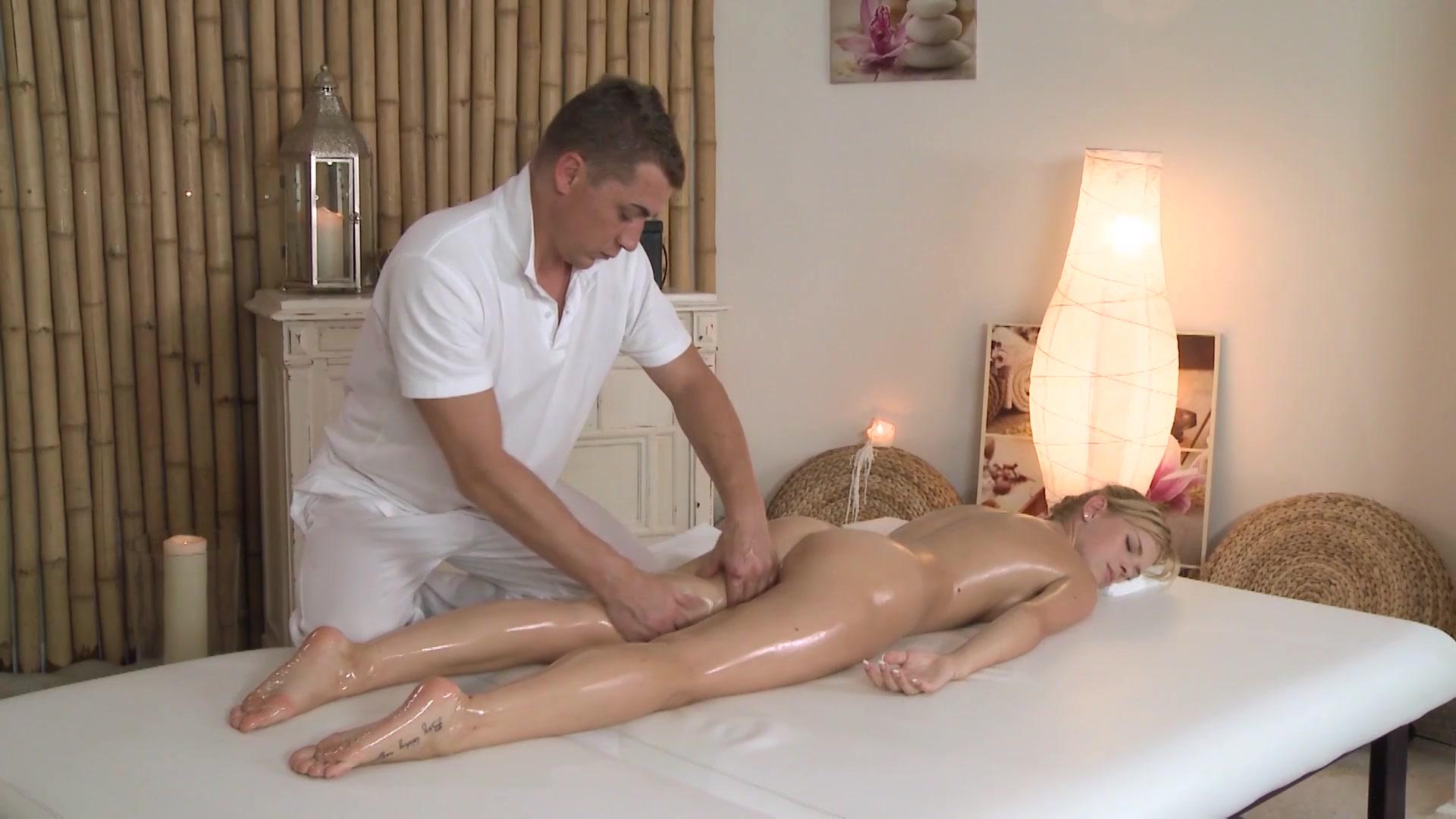 жена пришла на массаж сексуальны стоячие
