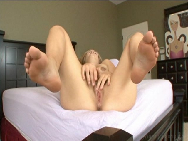 Streaming porn video still #8 from Fantasy Solos 3