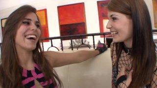 Screenshot #12 from True Lesbian Heartbreakers