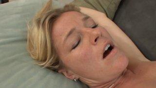 Screenshot #4 from Lesbian Stepmom Surprise