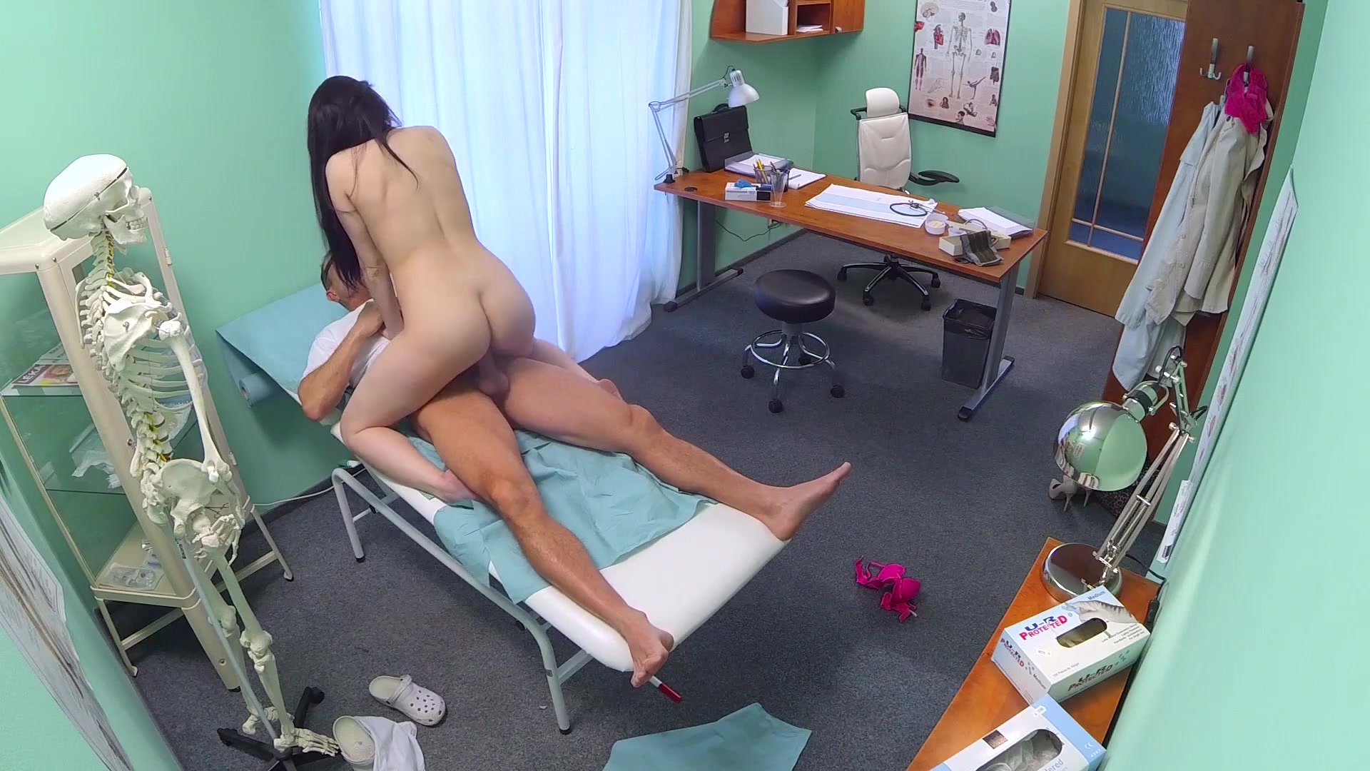 Dark Haired Patient Has Sex with Her Doctor Length: 38 min