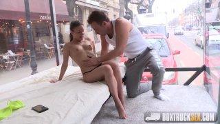 Screenshot #9 from Box Truck Sex: Street Sex 2