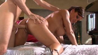Streaming porn video still #6 from Lisa Ann Never Quits