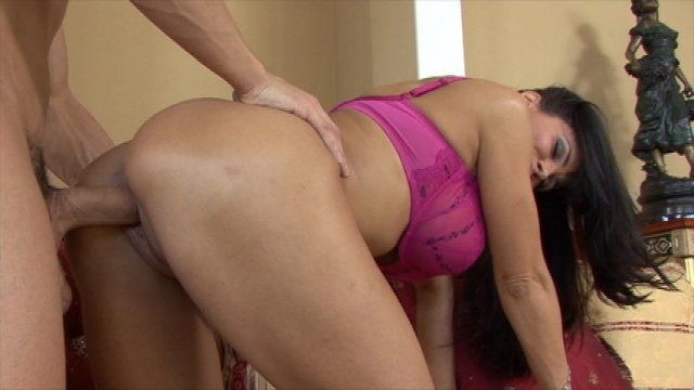 Streaming porn video still #8 from Lisa Ann Never Quits