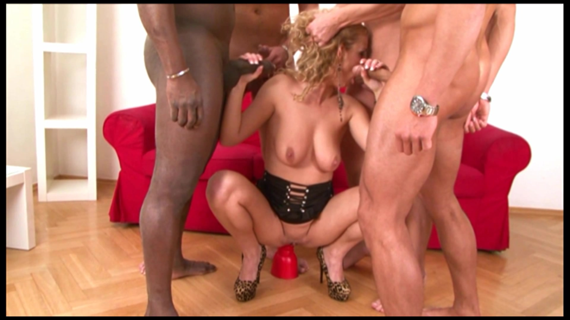 Anal Loving Blonde Loves BBC in Her Ass and Pussy