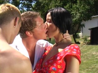 Screenshot #13 from Taboo Bi Sex 2