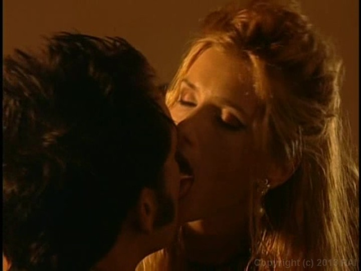 Gothix, Scene 1 - Lesbians