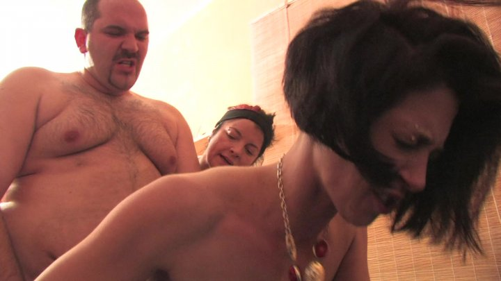 Streaming porn video still #1 from Perverser Familiensex