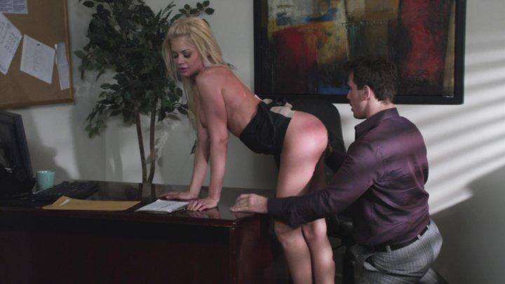 Streaming porn video still #2 from Escort