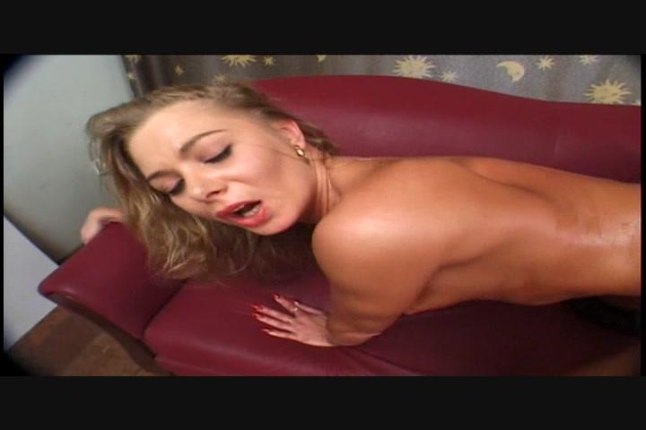 Sarah michelle gellar sexy hot