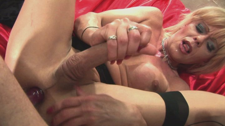 Streaming porn video still #3 from Joanna Jet Loves Big Cocks