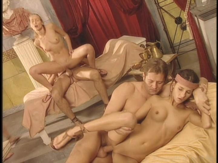 Порно художественный фильм гладиатор с переводом, лижет попку секс